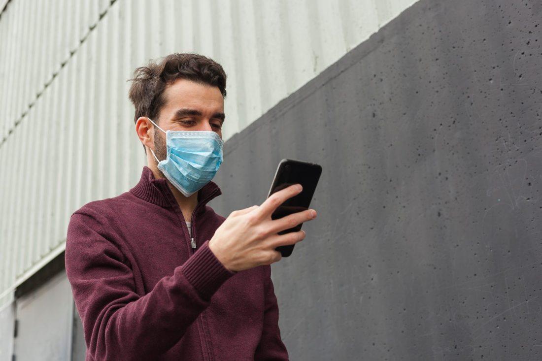 Symptom tracker app photo